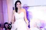 Vương Thu Phương lại mặc áo cưới