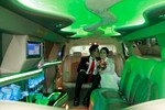 Cận cảnh bên trong xe Limousine rước dâu Miss Teen 2008