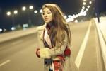 Hoa hậu Bích Trâm lẻ loi lang thang đêm vắng