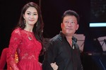 Thu Thảo lộng lẫy khoác tay nhạc sỹ Lê Quang
