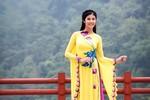 Hoa hậu Ngọc Hân quyền quý áo dài nơi đất Phật