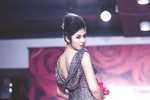 Hoa hậu Ngọc Hân trình diễn cuốn hút