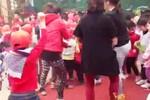 Clip: Hàng trăm HS mầm non ở Hà Nội cùng cô giáo nhảy Gangnam Style