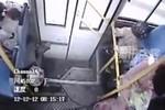 """Clip """"Sinh con trên xe buýt"""" gây sốt tuần qua"""