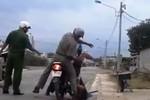 Vụ ngược đãi dân ở Bình Thuận: Độc giả đòi 'đuổi cổ ra khỏi ngành'