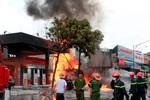 Nguyên nhân cháy nổ cây xăng gần viện 108 có thể do tàn thuốc lá