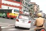"""Video: CSGT Hà Nội truy đuổi xe """"điên"""" như trong phim hành động"""