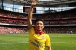 """Vụ """"Running man"""" sang Anh: CLB Arsenal """"thắng đậm"""" Tổng cục Du lịch!"""