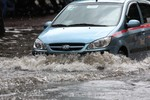 Phương án giúp các phương tiện giao thông đi qua vùng ngập úng an toàn