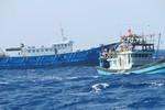 Trung Quốc dùng hơn 50 tàu cá dàn hàng ngang, ngăn cản tàu cá Việt Nam