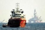 Máy bay cánh bằng của Trung Quốc lượn lờ, 'nhòm ngó' tàu Việt Nam