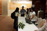 Đại hội toàn trường ĐH Hoa Sen: Quyết liệt ngăn cản phóng viên