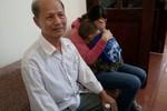 Vụ chai nước có ruồi: Bố xót xa con, vợ quyết kháng cáo cho chồng