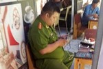 Một thiếu tá Công an chơi game ở quán cà phê trong giờ làm việc