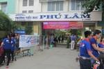 Dù là hè, học sinh Trường tiểu học Phú Lâm vẫn được kêu gọi tới trường