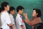 Xem xét trách nhiệm Hiệu trưởng vụ cô giáo đánh học sinh ở Tiền Giang