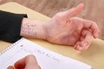 1001 kiểu quay cóp, gian lận trong thi cử của học sinh