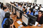 Thí sinh dự thi công chức rất đông nhưng Quảng Ngãi không tuyển đủ chỉ tiêu