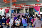 Phụ huynh trường Thụ Lộc kéo đến gặp Hiệu trưởng để đòi tiền