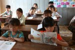 Trao đổi với Giáo sư Đinh Quang Báo về vấn đề quá tải và tích hợp sách giáo khoa