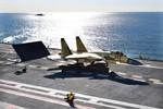 Tàu sân bay Trung Quốc không đấu nổi hạm đội Mỹ dù chỉ 1 phút