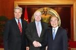 Mỹ dỡ bỏ cấm vận vũ khí cho Việt Nam hỗ trợ cho chiến lược châu Á?