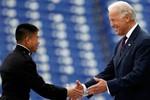 Phó Tổng thống Mỹ khuyến khích học viên hải quân bảo vệ hòa bình Biển Đông