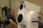 Mỹ nghiên cứu pháo laser có thể cho vào hòm hành lý, tiêu diệt UAV