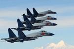 """Trung Quốc cho máy bay gào thét ở Biển Đông, sáng tác bài hát """"Nam Sa ca"""""""