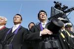 Thủ tướng Nhật lên tàu sân bay hạt nhân Mỹ để phát tín hiệu cho Trung Quốc