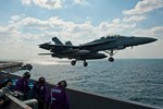 Học giả Mỹ: Trung Quốc vài chục năm nữa cũng không thể đe dọa vị thế của Hoa Kỳ
