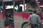 Vụ nổ xe khách khiến 2 người chết ở Nghệ An: Bình ôxy trên xe của ai?