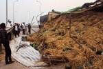 Quảng Bình: Dưa hấu đổ tràn ra đường, dân không ai hôi của