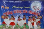 """""""Vầng trăng yêu thương"""" đến với trẻ em nghèo miền núi Nghệ An"""
