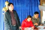 Trưởng thôn không chỉ bán gạo, phân của hộ nghèo