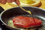 10 thói quen xấu khi nấu ăn gây hại cho sức khỏe