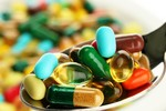 Đang dùng thuốc kháng sinh tránh ăn uống những thực phẩm này