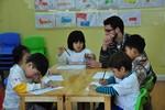 Bộ GD&ĐT nghiêm cấm tổ chức dạy thêm ngoại ngữ cho trẻ quá sớm