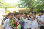 Huy chương Vàng Olympic Vật Lý châu Á được chào đón tại quê nhà