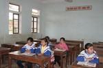"""Vụ 600 học sinh """"thất học"""": Hỗ trợ gạo, xe đạp cho học sinh tới trường"""