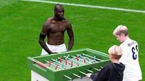 'Khó đỡ' với ảnh chế màn cởi áo ăn mừng bàn thắng của Balotelli (Kỳ 2)