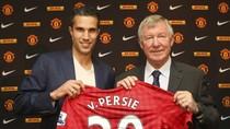 """Sir Alex: """"Wenger buộc phải bán bởi Van Persie chỉ muốn đến M.U"""""""