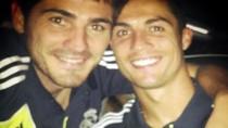 Casillas đăng ảnh Facebook bác bỏ mâu thuẫn với Ronaldo