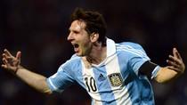 Messi sắp vĩ đại như Pele, Rooney toan 'vượt mặt' Gerrard