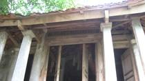 Lên đỉnh núi Trầm chiêm ngưỡng kiến trúc của ngôi chùa 500 năm tuổi