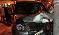 Xe ô tô chết máy bất ngờ chạy, 1 em bé chết thảm, 2 người nguy kịch