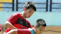 U.23 Việt Nam luyện dứt điểm dưới nắng gắt