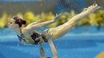 Vũ điệu mê hồn của các VĐV bơi nghệ thuật Olympic