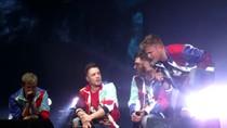 Tin hot: Fan Việt được lên sân khấu hát cùng Westlife