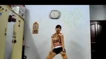 Clip thiếu nữ Việt nhảy Gangnam Style bên... máy giặt